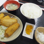 魚市場食堂 - アジフライ定食910円