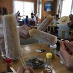 丸吉食堂 - どうやら手作りぽい、黒糖味のアイスキャンデー。シンプルでうまい!
