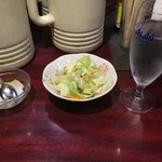 Chuugokukateiryouriyan - サラダとデザート
