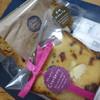 ベッツ&バラ - 料理写真:美味しい焼き菓子 こちらで買う方がお手頃です!