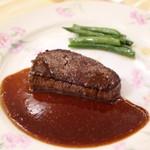 メインダイニングルーム - 料理写真:牛フィレのステーキ