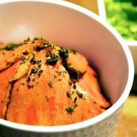 ローストビーフ丼(小サラダ付き)
