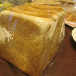 55604831 - 国産小麦100%食パン(280円)