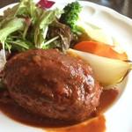 SKEW - 淡路産牛のトマトハンバーグ