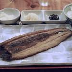 ひもの野郎 - 干物定食(さんま灰燻)