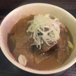 なごみ - もつ煮込み(100円)