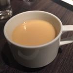 カフェ コムサ - サンドセットのスープ