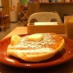 メロウ ブラウン コーヒー - ワッフルパンケーキ プレーン♡