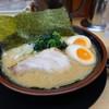 松田家 - 料理写真:豚骨醤油味玉ラーメン