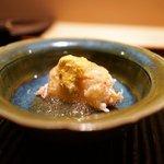 神楽坂 石かわ - 毛ガニ、昆布出汁と米酢としょうがのジュレかけ