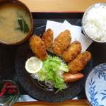 お食事酒処和 - 大粒カキフライ定食
