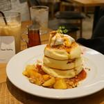 ザ・フレンチトーストファクトリー - アップルシナモンパンケーキ