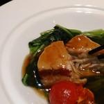 謝朋殿 - [料理] 米沢一番豚の角煮の酢豚 肉の切り口 アップ♪w