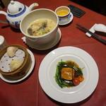 謝朋殿 - [料理] 点心・8種きのこの特製スープ麺・米沢一番豚の角煮の酢豚 全景♪w