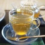 町家紅茶館 卯晴 - マテ茶のジンジャーレモン