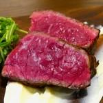 Bistro 千 - 今日の国産黒毛和牛の炭火焼き (2,180円)