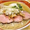 中華そば シンジョー - 料理写真:特製塩中華そば 1000円 すっきりクリアな煮干し味です。