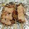 焼鳥 三船 - 料理写真:もつ串1本90円、精肉1本100円です。