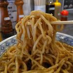 らーめん大 - 丸山製麺製の半ボキ角断麺(2016年9月5日)