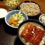 いっちょう - 料理写真:ミニしらすイクラうなきそば1609円 ミニしらすイクラ丼は、孫が
