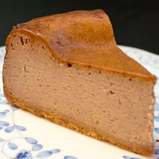 チリムーロ - 料理写真:2016.9 スパイスチーズケーキ(600円)