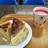 近江屋洋菓子店 - 料理写真:ゴルビータルトとアップルパイとスイカ