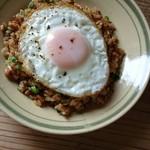 Cafe-nee - ひき肉と納豆のチャーハン①