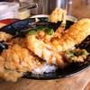 ボリューム満点の海老穴子天丼