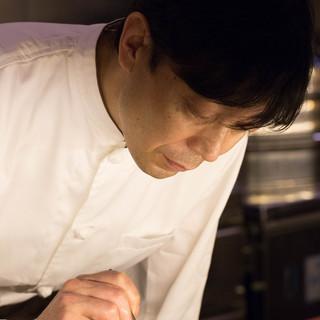これまで30年に渡り伝統広東料理を追究してきたシェフ高瀬健一