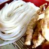 うどんや まるちゃん - 料理写真:いか天ざるうどん   いかはサクサク♪   麺はピカピカ☆