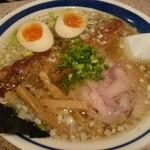 支那そば 二階堂 - 塩そば(700円)+煮玉子(100円)+ナンコツ(220円)