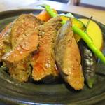 粟 - 大和牛の陶板焼き(アップ)