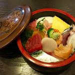 新月寿司 - ちらし寿し