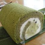 菓心亭 かまだ - 抹茶ロールケーキ