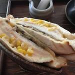 Cafeゆう - きのことコーンのホワイトソース バターソテーしたきのこたちに濃厚なホワイトソースをプラス!