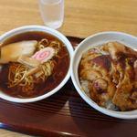 苗場 - ラーメン・ステーキ丼セット 890円