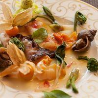 旬の貝類のサラダ仕立て