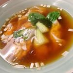 くぬぎ屋 - ワンタンスープ アップ