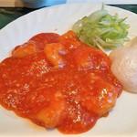 四川亭 - 料理写真:エビチリソースのおいしいことぷりぷりの大きなエビがお贅沢