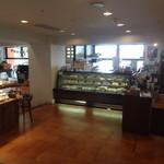 Prato - 店内入り口