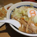 8番らーめん - 8番セット(野菜らーめん、8番餃子) 842円
