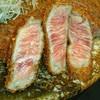 牛かつ もと村 - 料理写真:肉はレア♥(*^o^)/\(^-^*)