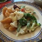 バーミヤン - 料理写真:海老と野菜の特製マヨネーズ~青山椒ソース添え~