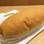 55928606 - 福田パン(あんバター)