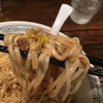 55937114 - おのみちックな平打ち細麺です。