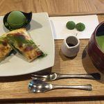 55947389 - 利休餅パイ+抹茶セット