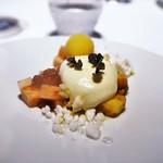 レフェルヴェソンス - 真夏の果実〜  梅と桃、夏のハーブのジュレと軽いショコラブランのムース