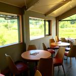 飛鳥彩瑠璃の丘 天極堂テラス - 2階カフェスペース