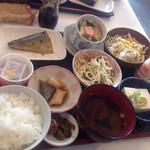朱里 - 朝食セット(魚)400円*これにドリンク付き!