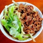 手打ちうどん とだ - 料理写真:モリモリキャベツ・ゴリ盛りのお肉
